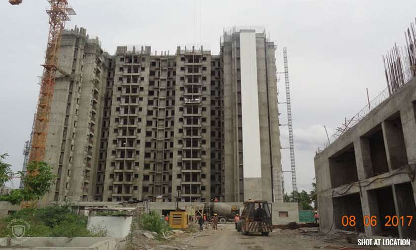Peach : Tiling work  in 4th floor progress, Putty work – 13th floor completed & Water proofing work -13th floor in progress